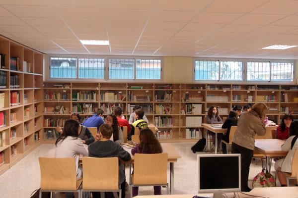 Uso del Internet y Biblioteca Escolar